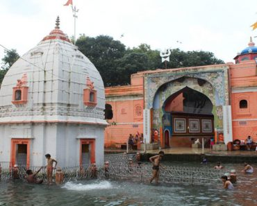 Deoguradiya Temple In Indore