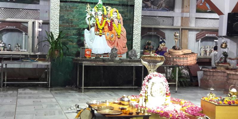 Shri Gendeshwar Dwadash Jyotirling Mandir Indore
